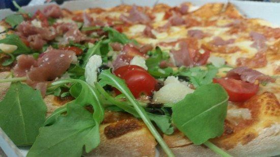 pizzas lino : Moitié San Daniele/ diavola à la spianata