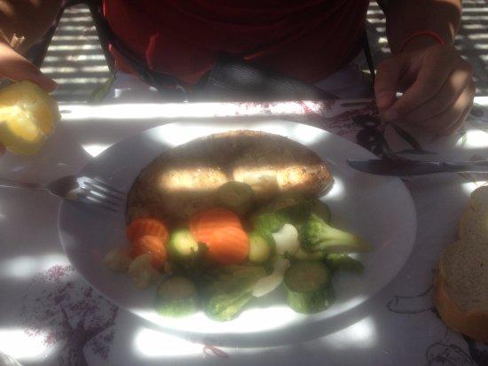 Prassonissi, Grèce : Légumes, poisson