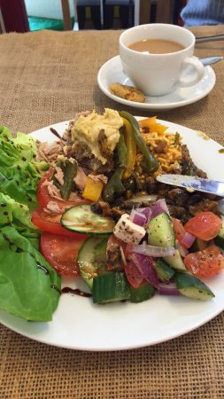 Truffles Delicatessen: Roasted Vegetables, houmas with Salad