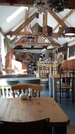 Lutterworth, UK: Quirky interior with craft work