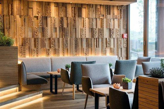 Genussdorf Gmachl - Hotel & Spa: Bar Sitzlounge
