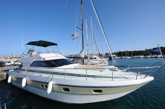 Lelaxos Boat Rental