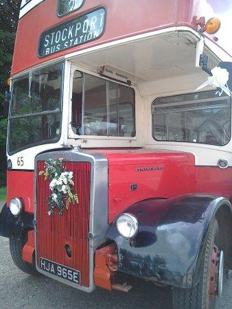 Exford, UK: Vintage bus tours and cream teas.