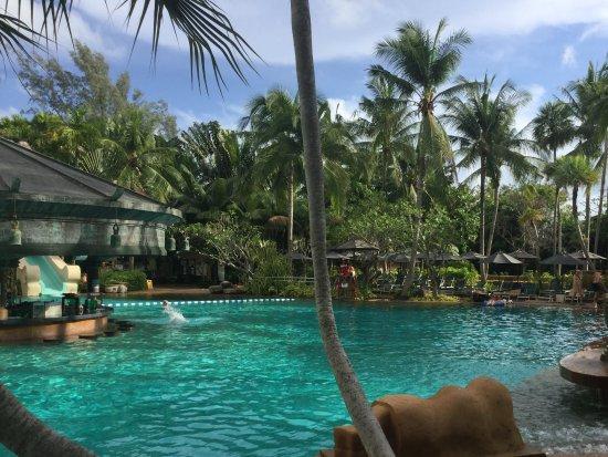 Movenpick Resort and Spa Karon Beach Phuket Foto