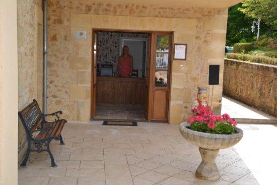 Lalinde, França: Reception