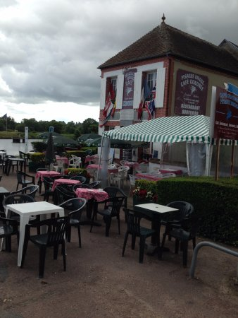Benouville, France : Vista esterna