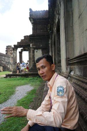 Angkor One Tour: Dara at Angkor Wat