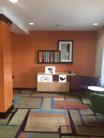 Fairfield Inn & Suites Roanoke Hollins I-81: photo3.jpg