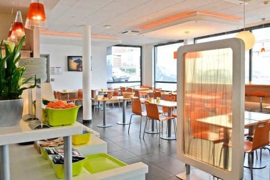 Ibis budget Saint Quentin : salle petit déjeuner
