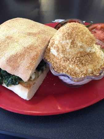 Ithaca, MI: Vegetarian options are amazing!  Spinach, cheese artichoke sandwich & veggie lasagna. All were y