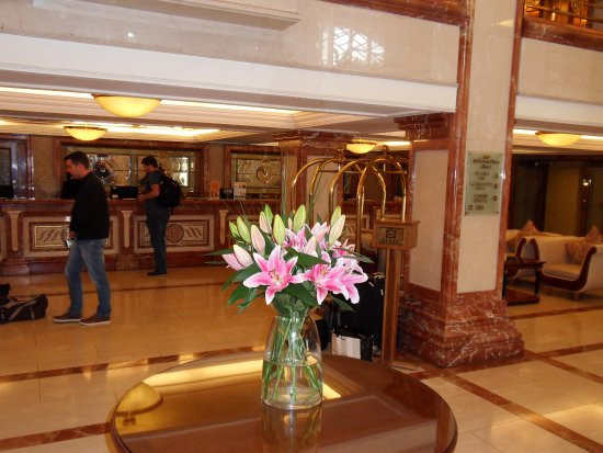 Killarney Plaza Hotel and Spa: Reception