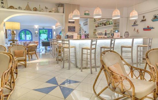 Nathalie Hotel: Bar