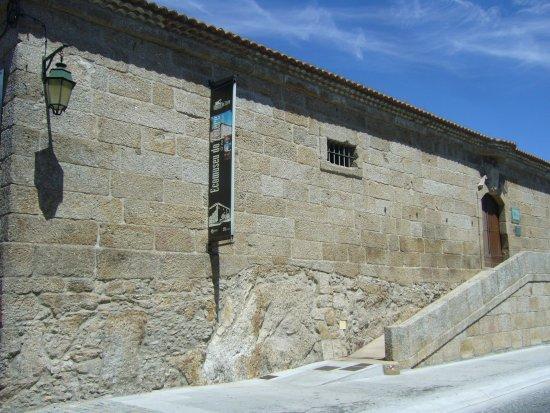 Belmonte, Portugal: Imponente edifício que alberga o ecomuseu.