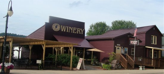 Marquette, IA : Welcome to Eagles Landing Winery