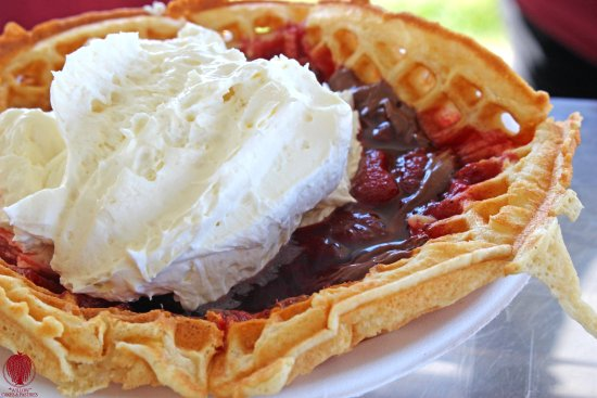 Willow Cakes and Pastries: Silversmith Brewer Black Lager Beer Waffles