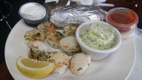 Maple Shade, NJ: broiled scallops with cole slaw and baked potato