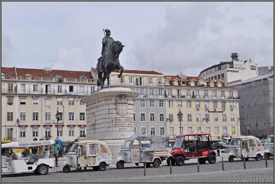 King João I Statue
