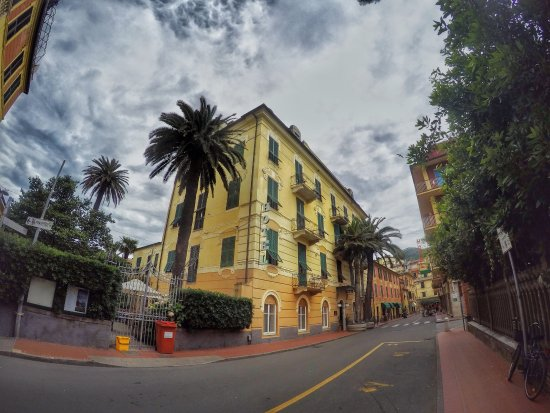 Hotel Nazionale: Charming hotel! Two blocks to the beach!