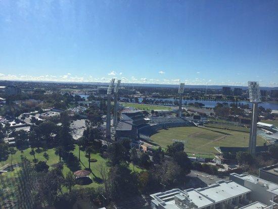 Fraser Suites Perth: photo2.jpg