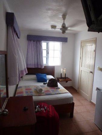 Hotel Marcianito: Yo fui sola, para mi esta perfecta, pero para más personas tienen más amplias.