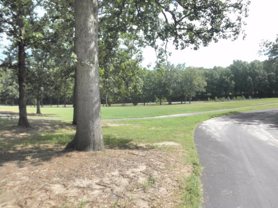 Ballentine Community Center: walking trail