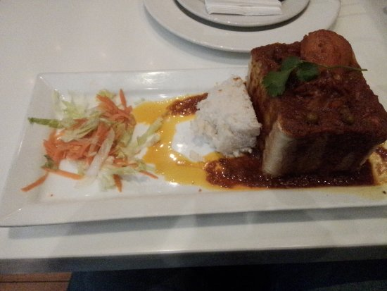 De'Ma. Restaurant: Bunny Chow (with Chicken Gravy)