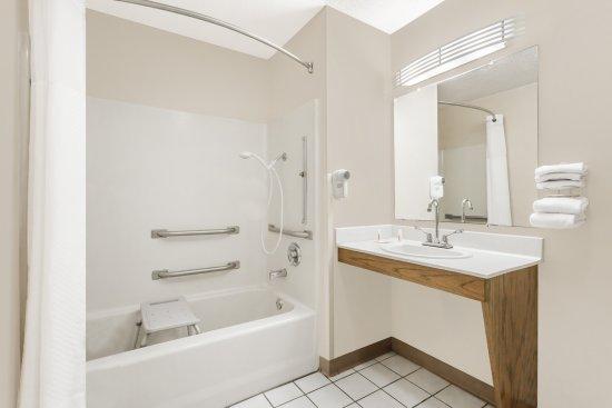 Anderson, SC: Accessible Bathroom King