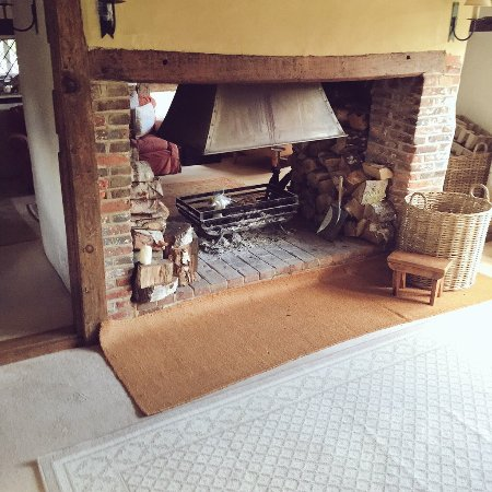 Chiddingfold, UK: double sided fire place in the split living room