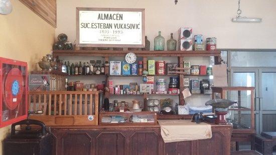 Porvenir, Chile: Antiguo almacén