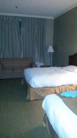 Portland Regency Hotel & Spa: After turn down of sheets.