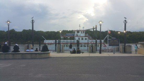 Harriot II Riverboat: 20160716_175506_001_large.jpg