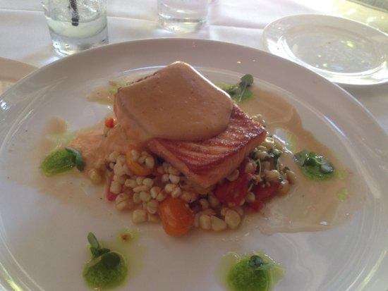 Lodi, Kalifornia: Seared King Salmon