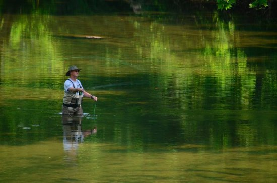 The River Lodge Bed and Breakfast: Fly fishing at its best!