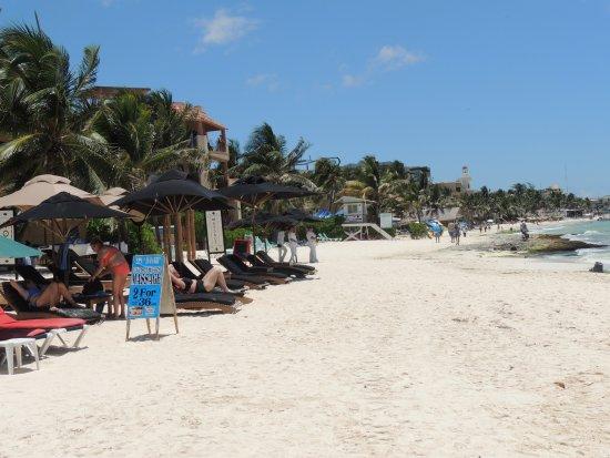 Club Yebo: playa cercana