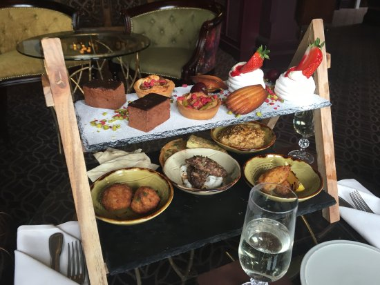 Burley, UK: Amazing food, awful service
