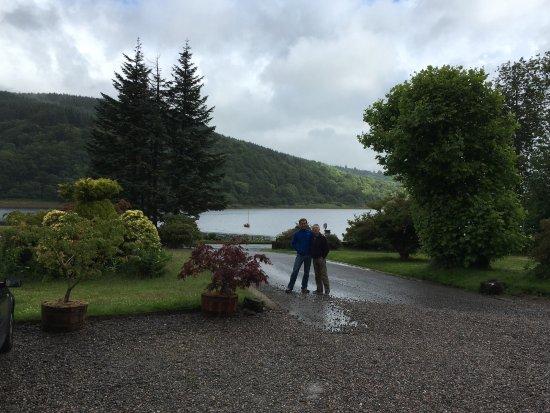 Knipoch, UK: Vista del lago cercano al hotel