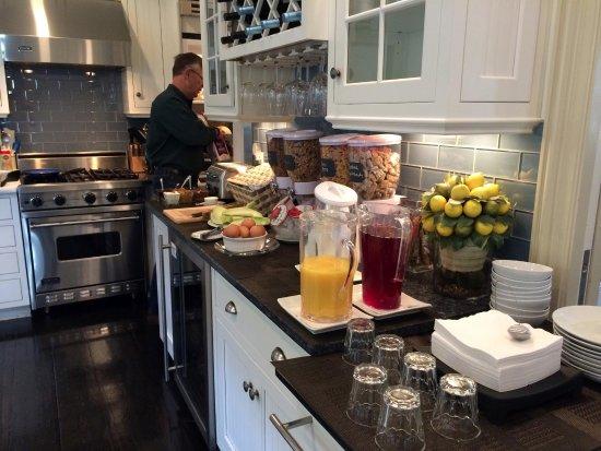 White Porch Inn: Breakfast selection