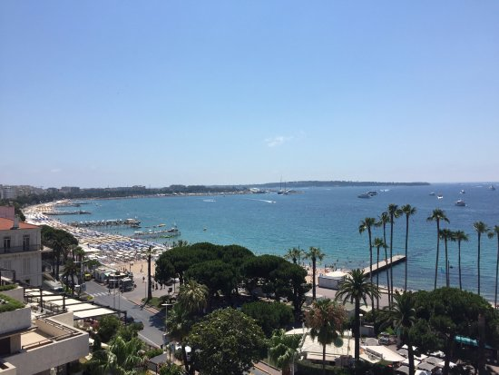 Hôtel Barrière Le Majestic Cannes: view from the room (not all rooms have ocean views)