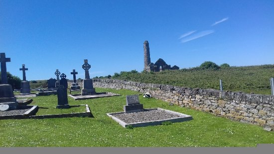 Kilrush, Irland: Tower in the distance