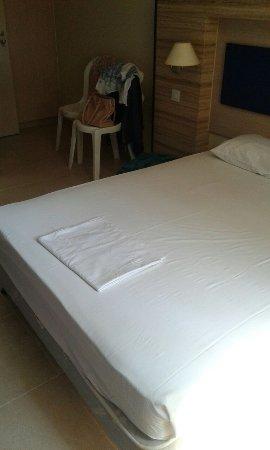Mariandy Hotel: Кровать.