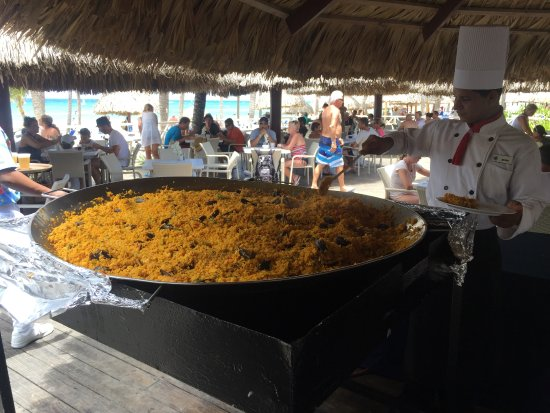 Luxury Bahia Principe Ambar Paella Atone Of The Restaurants At Beach