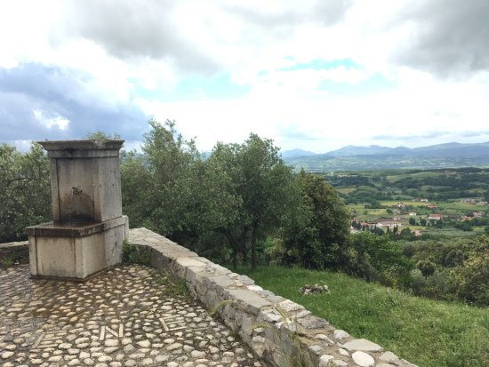 Faicchio, Italy: Water fountain of peace