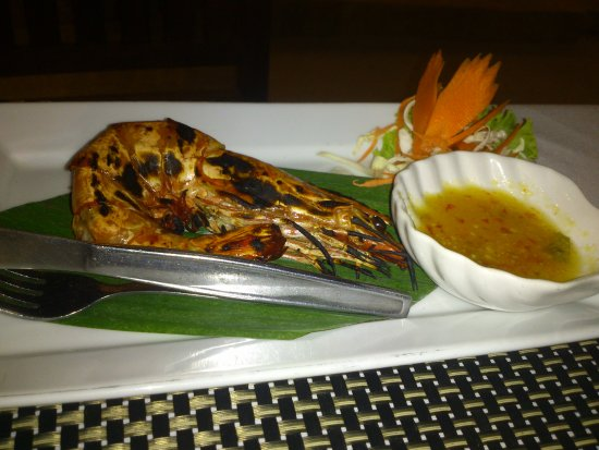 Sand Sea Resort Restaurant: Want to try a grilled shrimp with thay souce??