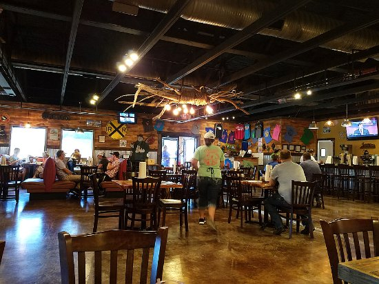 Madill, OK: Indoor rustic decor