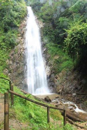 Khun Korn Waterfall : Khun Kon Waterfall