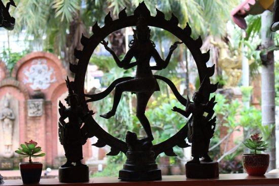 พิพิธภัณฑ์อูบคำ: Cultural Statue