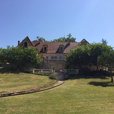 Naussannes, Francia: The estate seen from the garden.