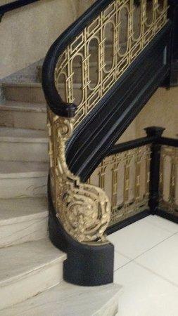 فيرفيلد إن آند سويتس أتلانتا داون تاون: Historic staircase