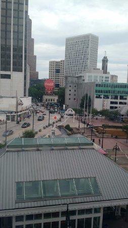 فيرفيلد إن آند سويتس أتلانتا داون تاون: Daytime view