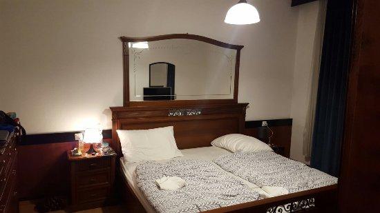 Tolmin, Σλοβενία: Quarto do hotel